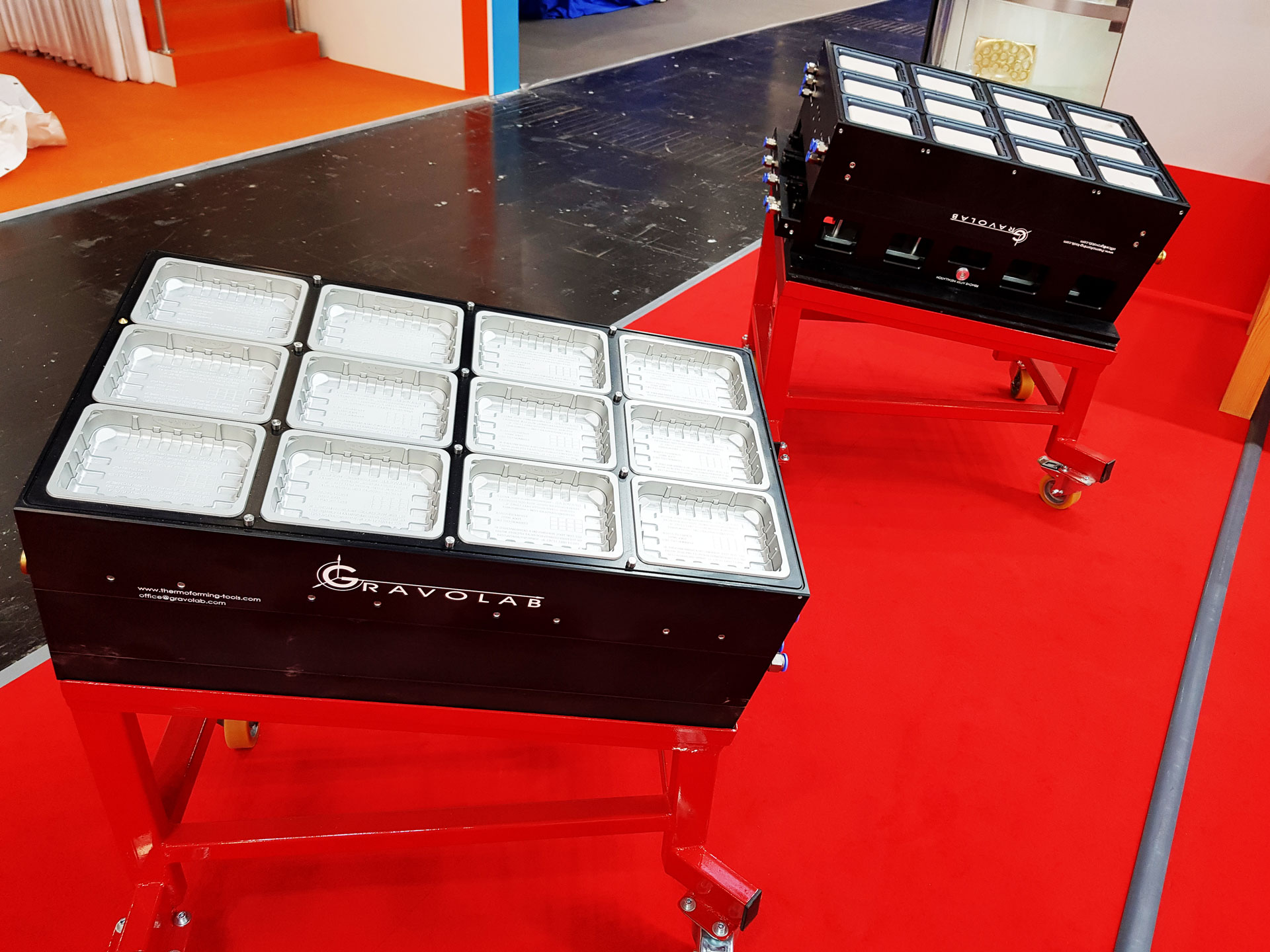 gravolab-efficient-thermoforming-tooling-equipment-expo